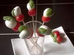 Fleurs tomates cerises/mozza
